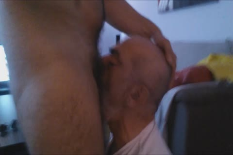 A First video Of The Great Deepthroating Session And Face hammering With The large wang Of @GrekoGay have a fun And Feel Free To Comment